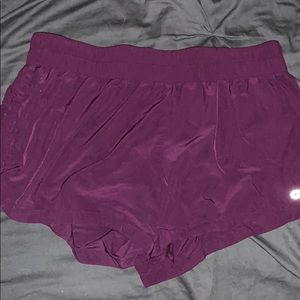 Cute never worn maroon shorts